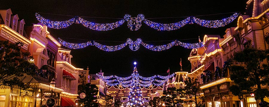 when do christmas decorations go up at disney world 2018 image new - When Do Christmas Decorations Go Up At Disney World 2017