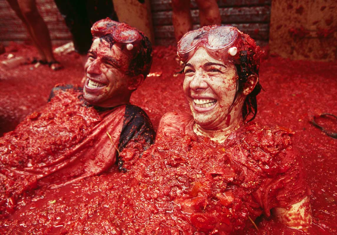 Tomatoes Take Center Stage At Spain S La Tomatina Festival Kids News Article
