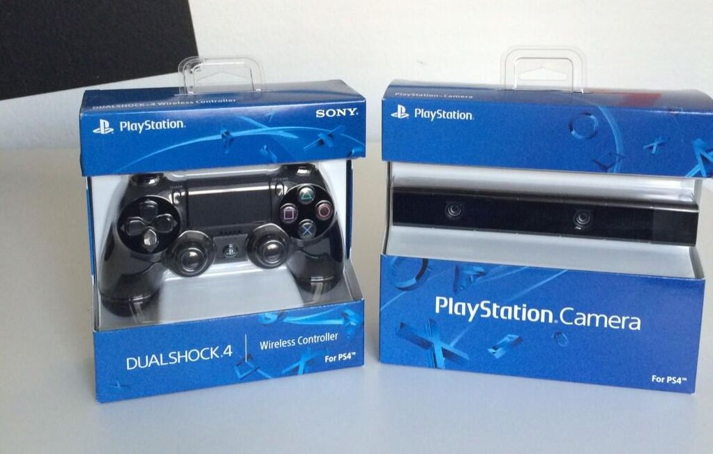DualShock 4 PS4 Controller And PlayStation Camera Now