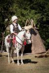 Красиви българки и въоръжени до зъби хайдути