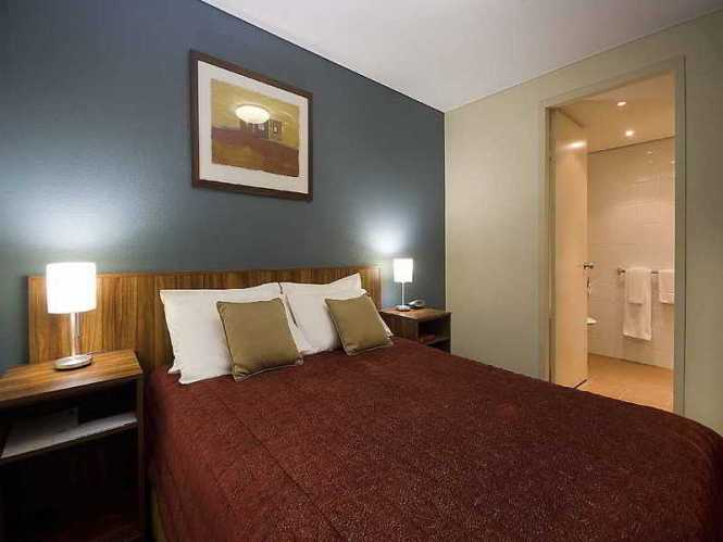 Hotel Emu Walk Apartments By Voyages