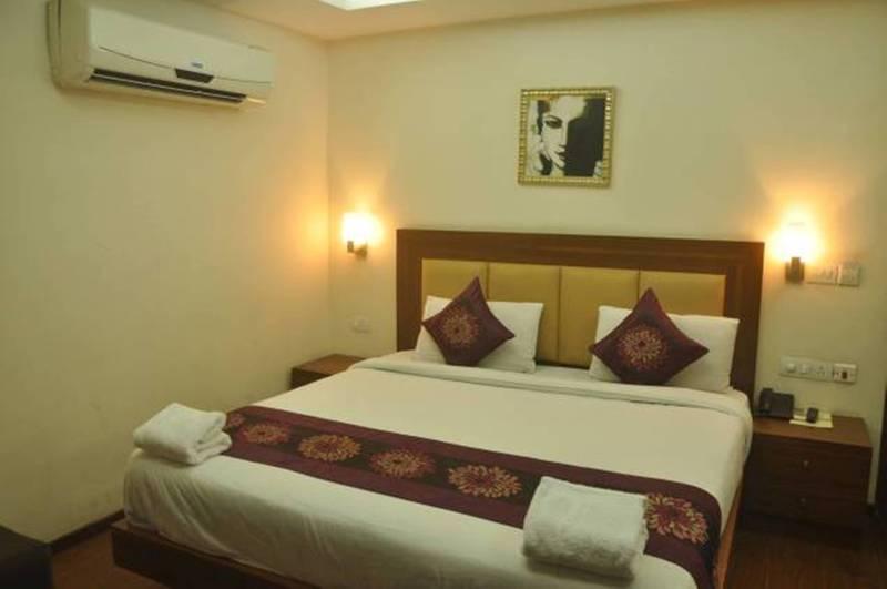 Hotel Lohmod Delhi Delhi Ncr Hotelopia