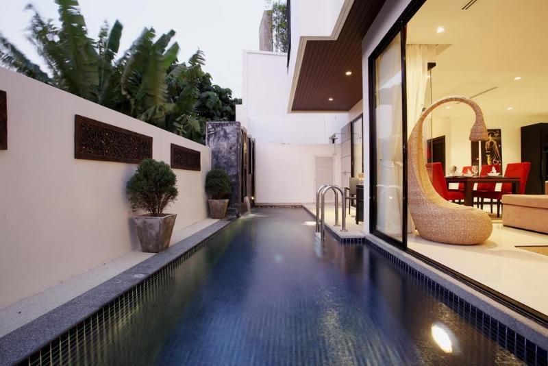 Hotel Phuket Deluxe By The Lake Villas Phuket Town