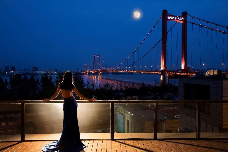 Hotel Hilton Wuhan Riverside Wuhan Wuhan Hotelopia