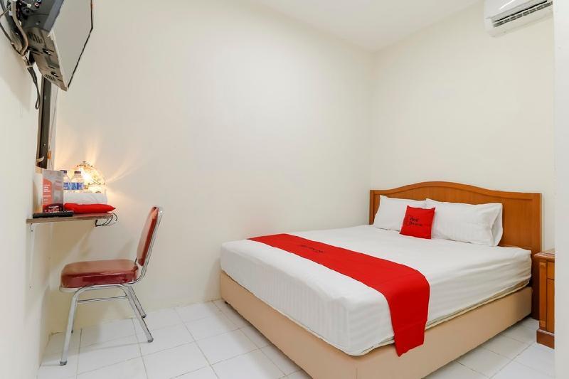 Hotel Reddoorz Plus Near Ciputra World Kuningan 2 Jakarta