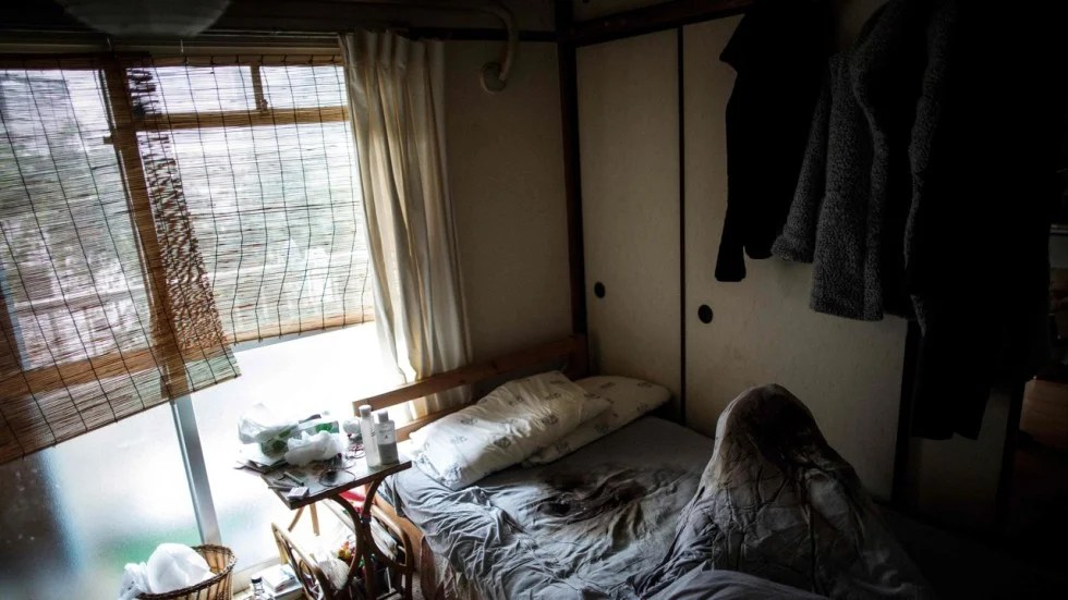 Thousands of people are dying home alone in Japan rotting