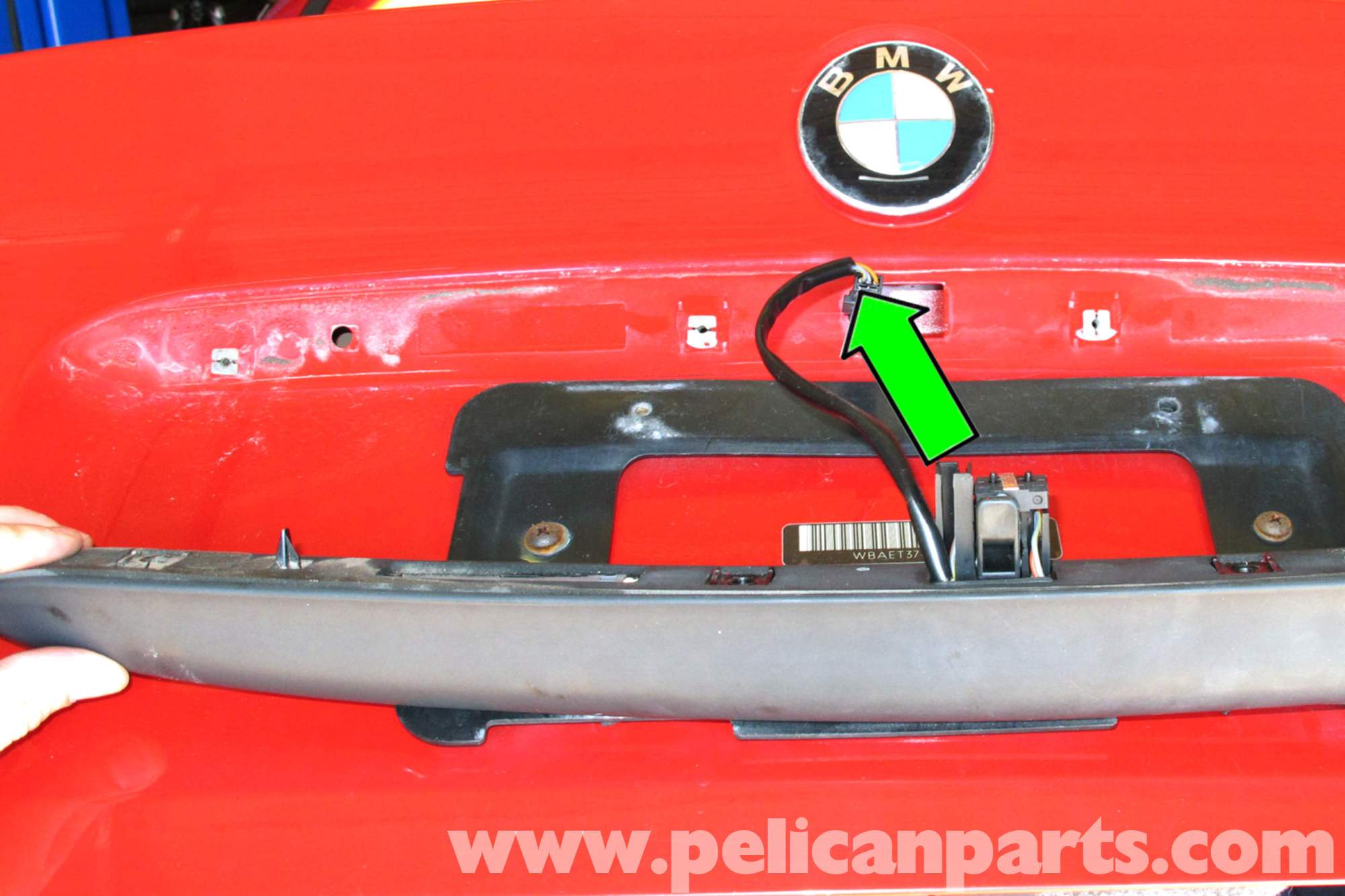 hight resolution of bmw e46 trunk release button replacement bmw 325i 2001 2005 bmw bmw e46 navigation circuit diagram bmw e46 trunk wiring diagram