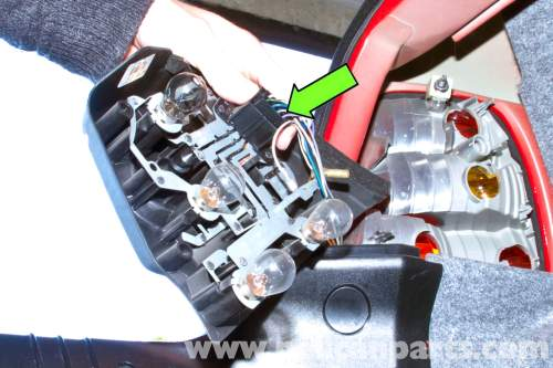 small resolution of bmw pic03 bmw e46 rear tail light replacement bmw 325i 2001 2005 e46 reverse light at fuse box