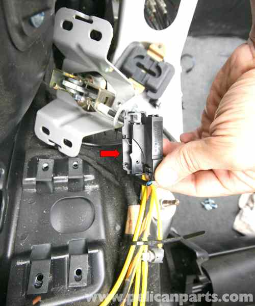 small resolution of  pic09 mercedes benz slk 230 vario roof switches location and id 1998 mercedes slk 230 radio