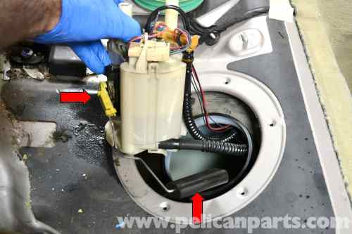 small resolution of large image extra large image mercedes benz w203 fuel pump