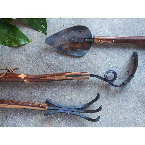 Hand-forged garden tools based on functional and time-tested designs. The Shagbark Hickory handles features a natural finish and are hand-riveted to give a rustic feel.