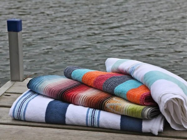 kitchen gadget gifts apron sinks spiaggia beach towels: quick dry towel made of ...