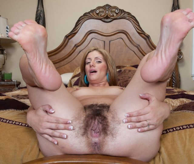 C_mature Alicias Hairy Pussy Juicy Butthole And Feet