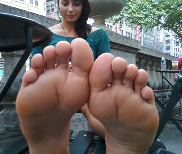 Amateur Public Feet