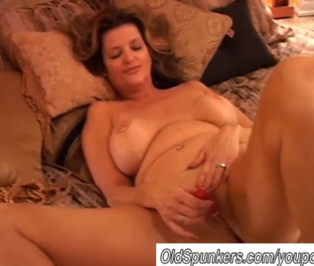 Free Mature Squirting Video