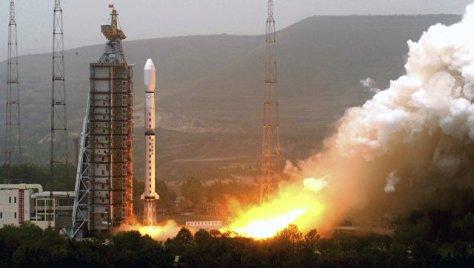 КНР будет запускать спутники воздушным стартом с помощью специальных ракет