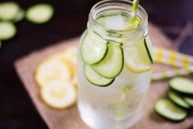 मोटापे से छुटकारा पाने के लिए रोजाना पिए खीरे का पानी