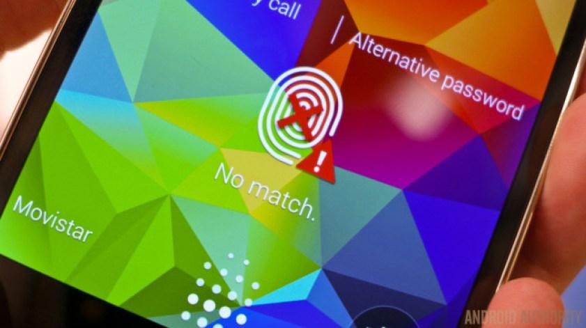 The Galaxy S5 showing a fingerprint scan failure