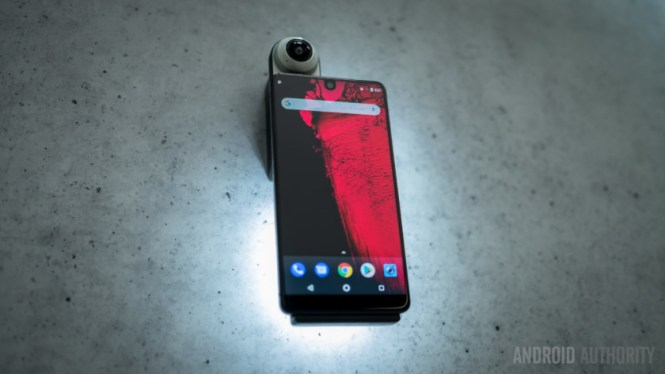 The Essential modular phone with the 360 camera