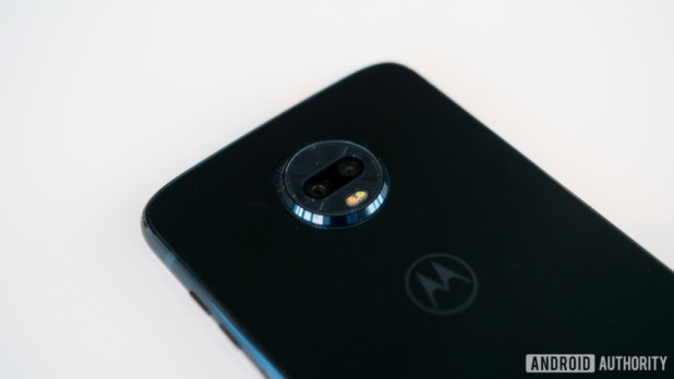 dual camera on the back of the Moto Z3 Play.