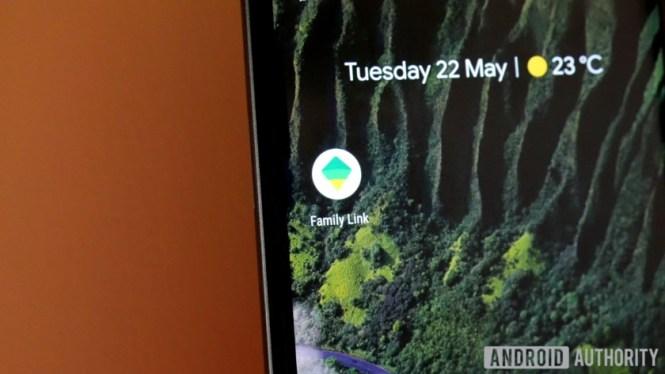 Google Family Link app on a Google Pixel 2 XL phone