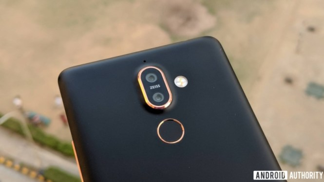 Nokia 7 plus camera and finger scanner