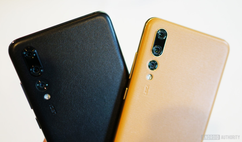 P20 Pro in black and brown leather