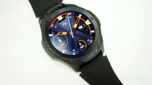 TicWatch S2 review watch face