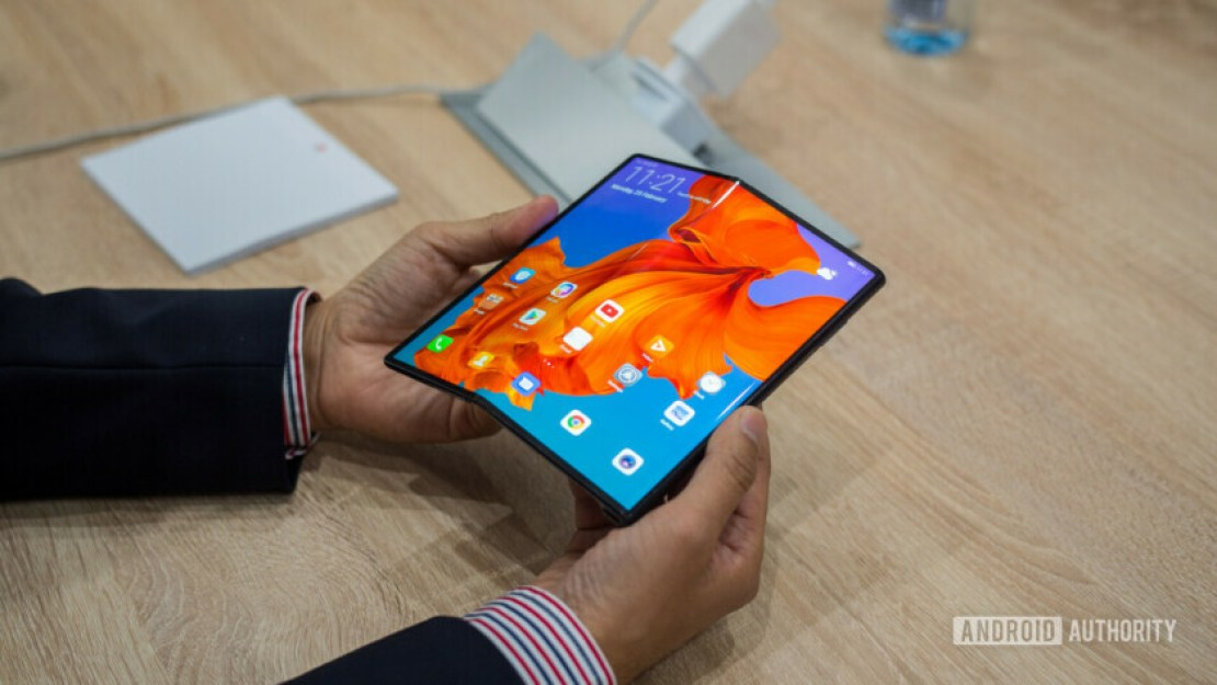Huawei Mate X Foldable Phone Hands On display unfolded