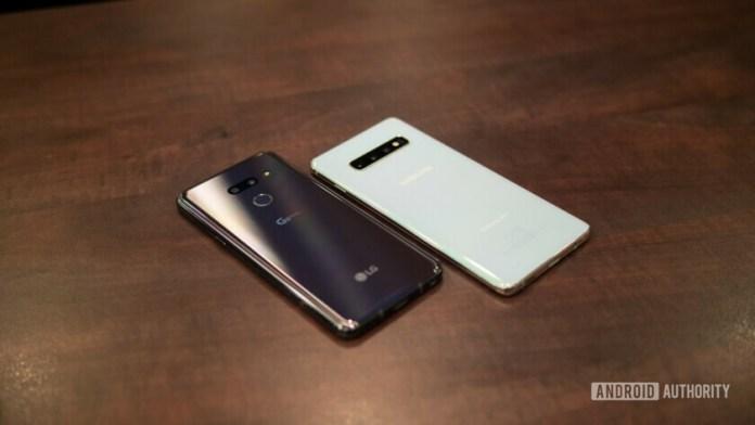 LG G8 ThinQ vs Samsung Galaxy S10 rear panel