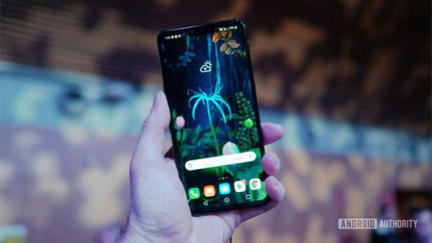 LG V50 ThinQ 5G home screen