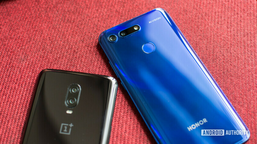 OnePlus 6T vs Honor View 20 back