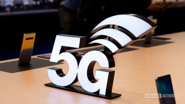 5G logo next to Samsung Galaxy S10 Plus phones - Vodafone UK network review