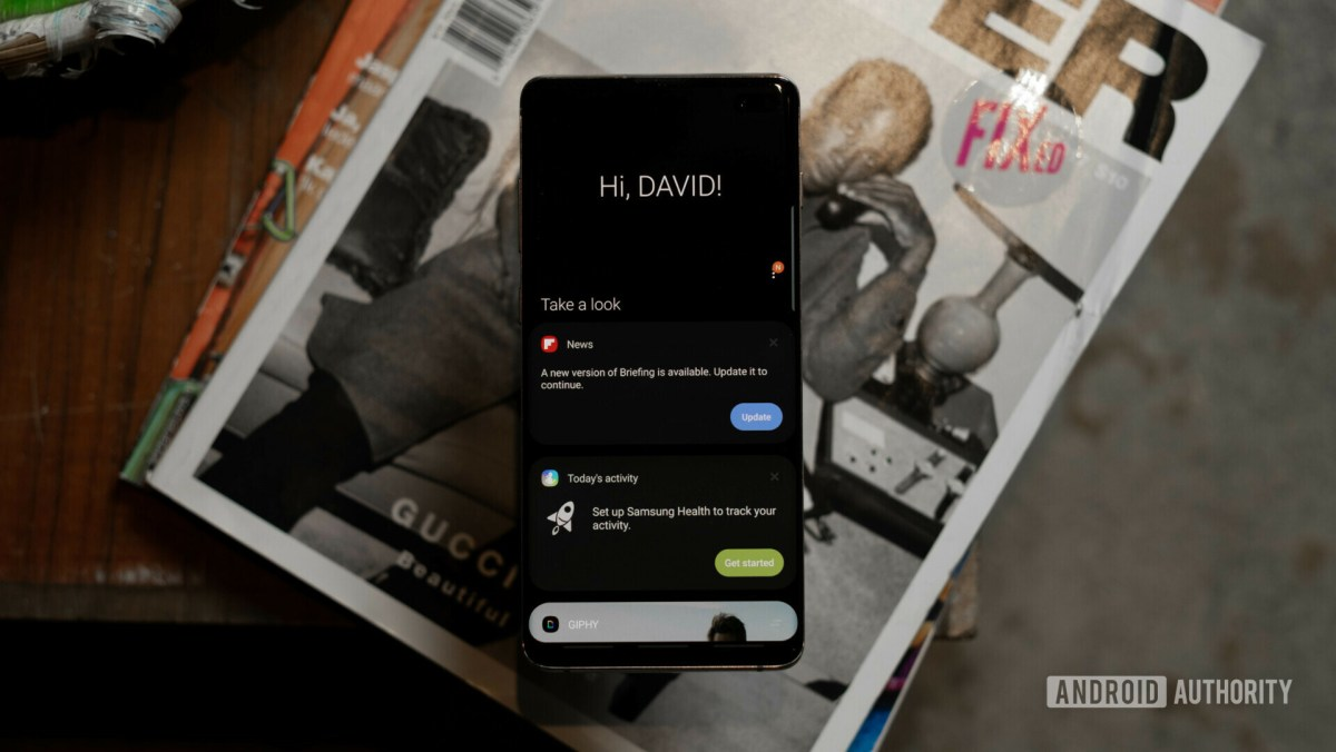 Samsung Galaxy S10 Plus Bixby Home - How to take a screenshot on Android using Bixby.
