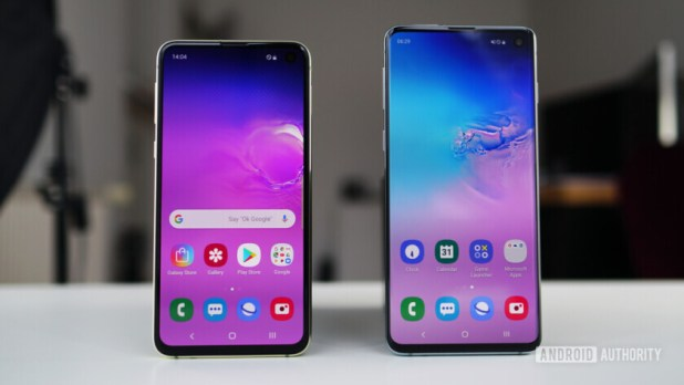 Samsung Galaxy S10e vs Samsung Galaxy S10 display