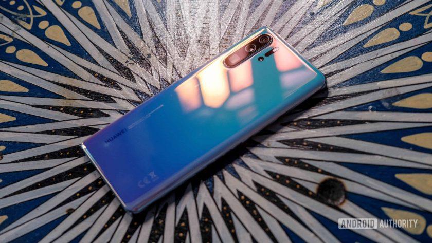 Huawei P30 Pro downward angle