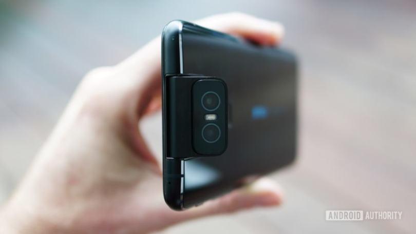 Asus Zenfone 6 flip camera half open