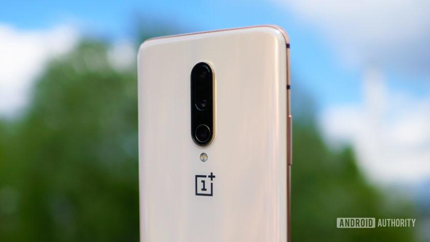 OnePlus 7 Pro almond color camera close-up angle
