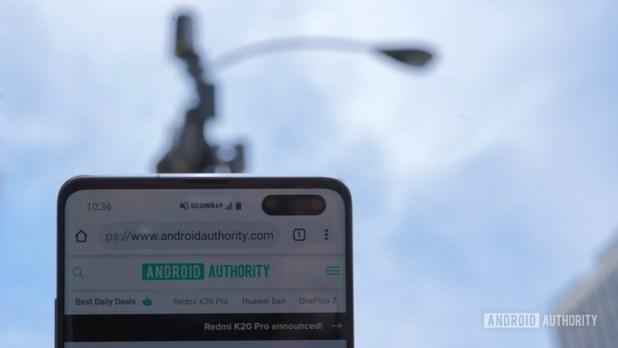 Samsung Galaxy S10 5G Verizon Wireless Node with UWB