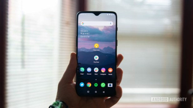 OnePlus 7 display with home screen
