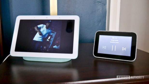 Lenovo Smart Clock vs Google Nest Hub music