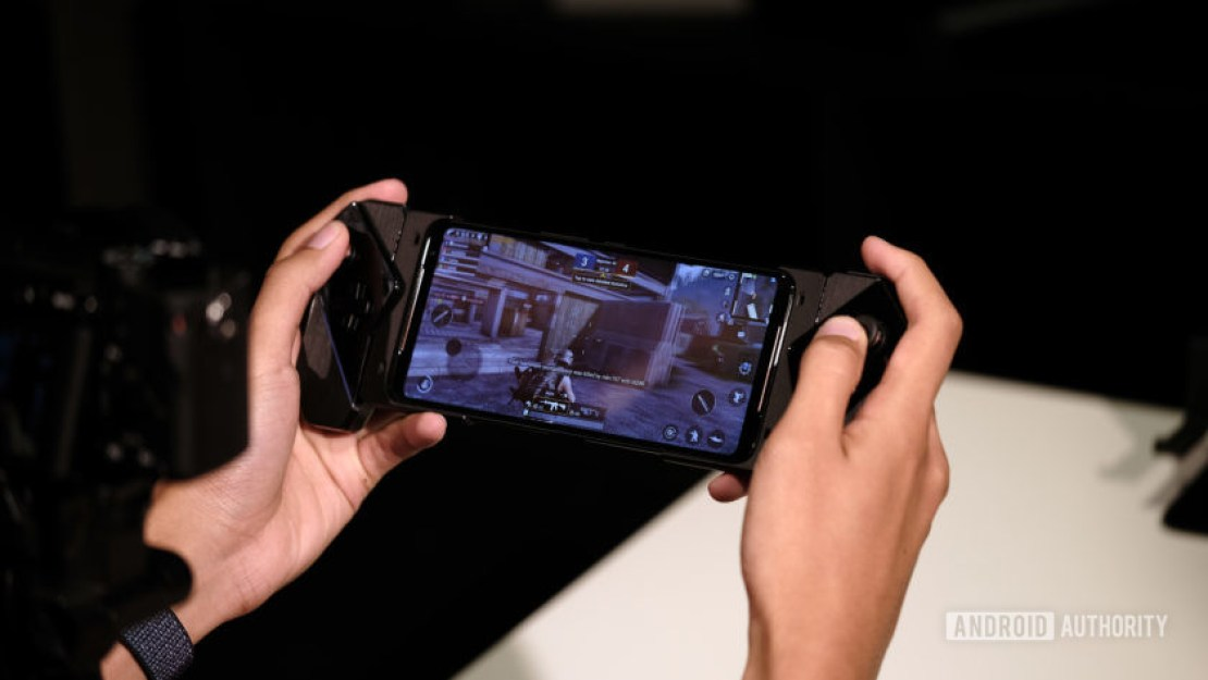 Asus ROG Phone 2 gaming in switch adapter