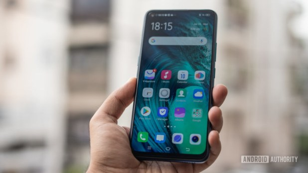 Vivo Z1 Pro showing display