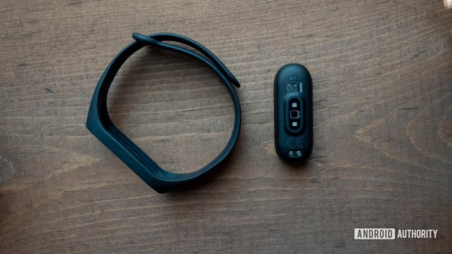 xiaomi mi band 4 review with band