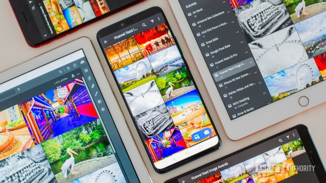 Adobe Lightroom mobile open in many devices