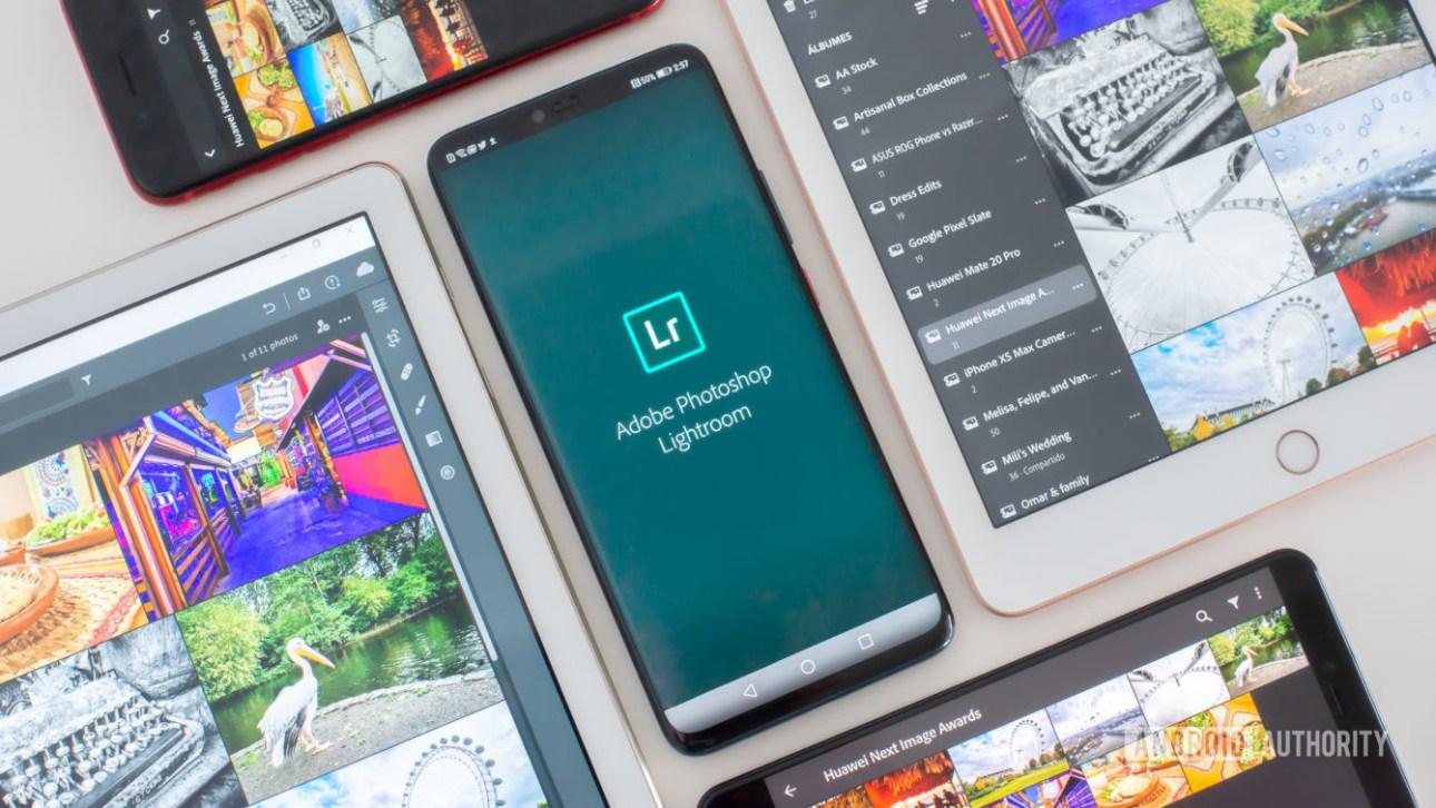 Мобильный Adobe Lightroom с логотипом