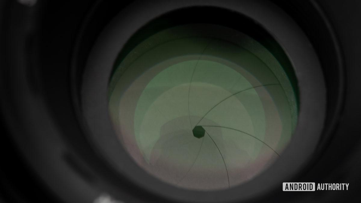 Затвор диафрагмы объектива камеры.  Ручной режим.
