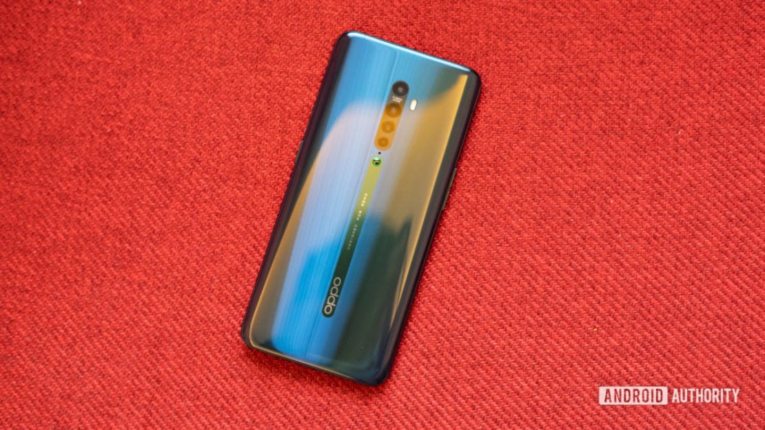Oppo Reno 2 profile shot of back showing gradient