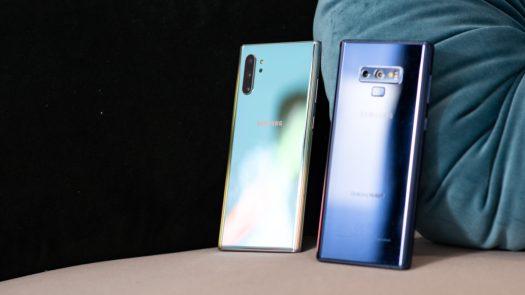 Samsung Galaxy Note 10 Plus Aura Glow vs Samsung Galaxy Note9 Blue at angle 3