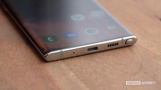 Samsung Galaxy Note 10 Plus ports macro 2